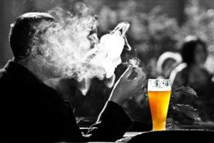 Sucht nach Alkohol und Zigaretten